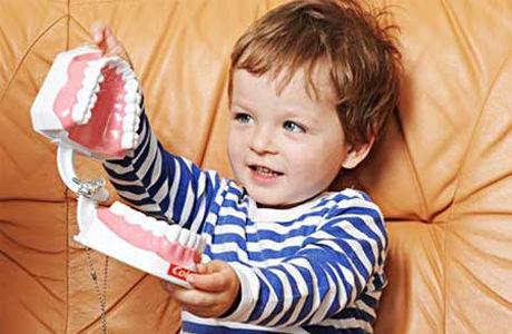 Як підготувати дитину до прийому у стоматолога?