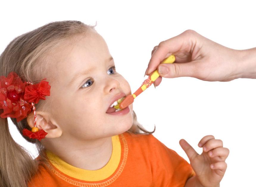 Когда нужно начинать ухаживать за зубками ребенка!
