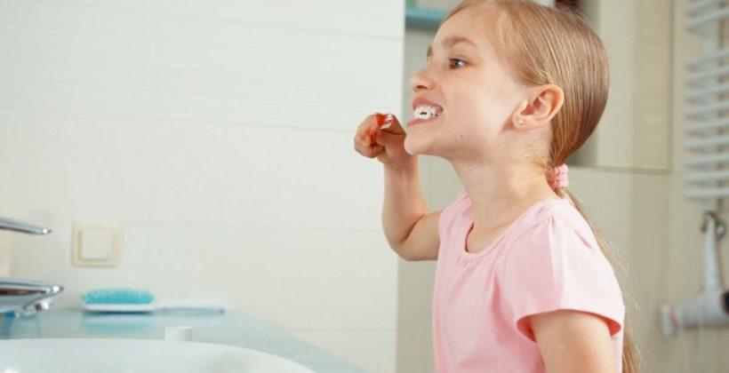 Как выбрать зубную щетку для ребенка? Выбор первой, электрической щетки